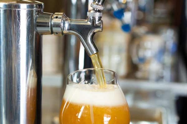 butcherknife-brewing-pouring-a-beer-from-the-tap