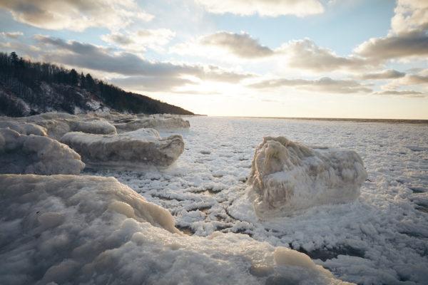 carhartt-michigan-yoopers-lake-michigan-ice-and-snow