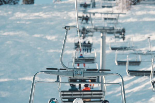 solitude-mountain-resort-chairlift-ski-day